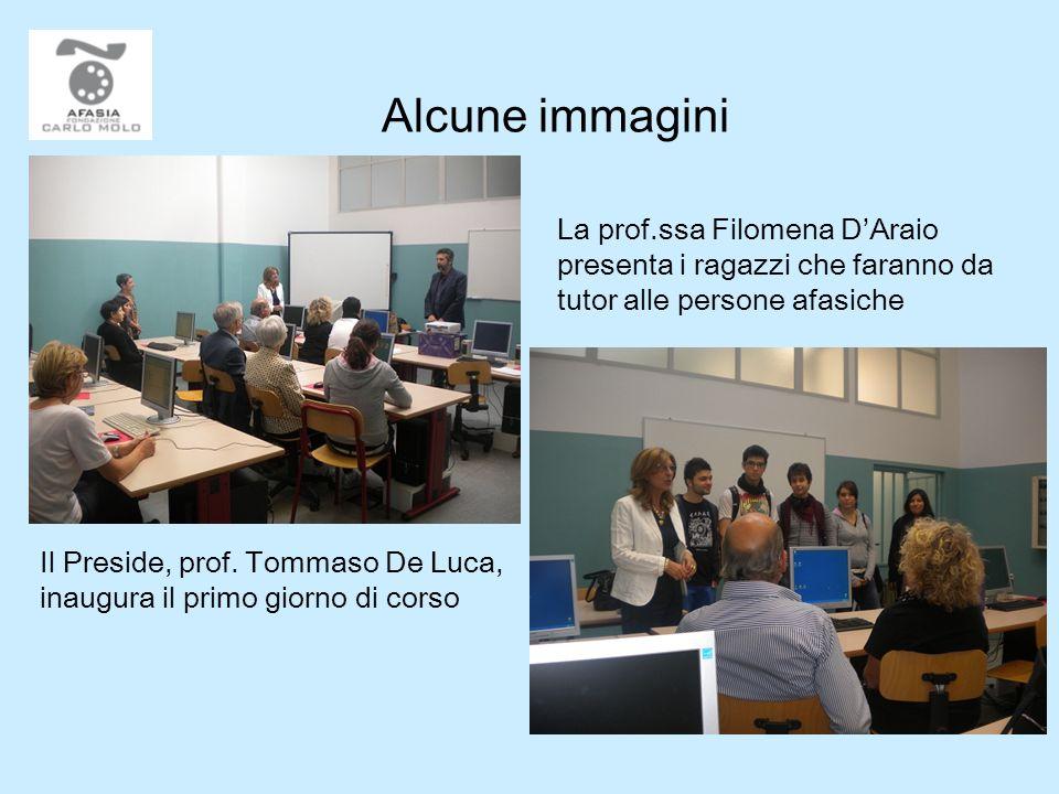 Alcune immagini La prof.ssa Filomena D'Araio presenta i ragazzi che faranno da tutor alle persone afasiche.