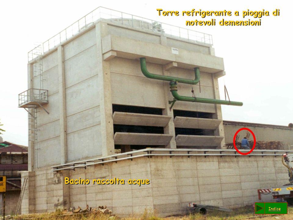 Torre refrigerante a pioggia di notevoli demensioni