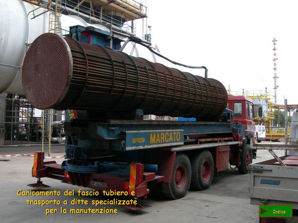 Caricamento del fascio tubiero e trasporto a ditte specializzate per la manutenzione