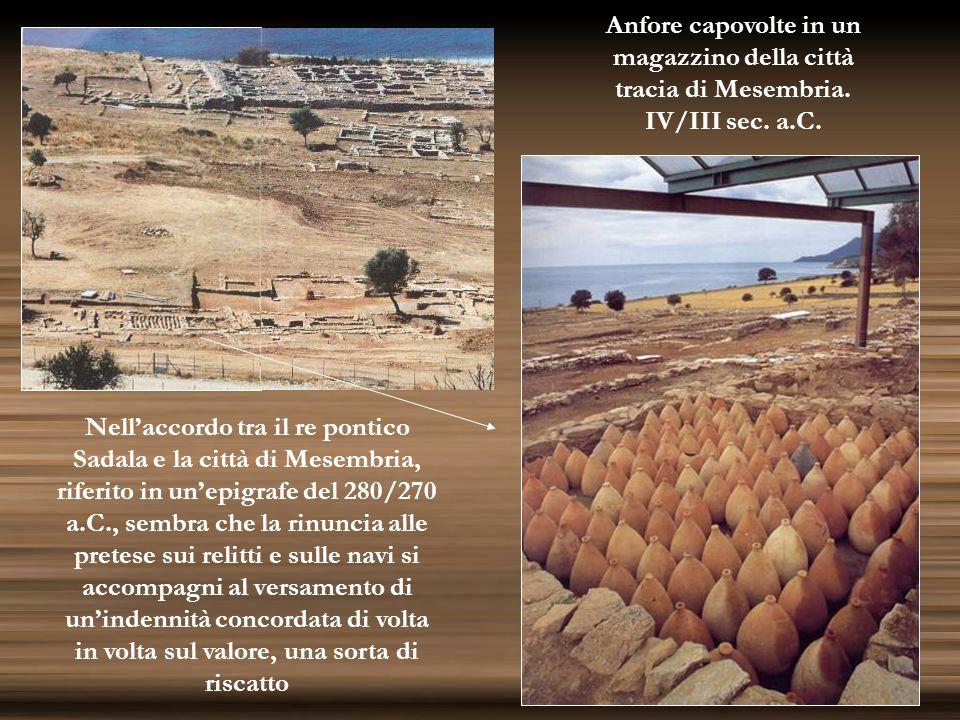 Anfore capovolte in unmagazzino della città. tracia di Mesembria. IV/III sec. a.C.
