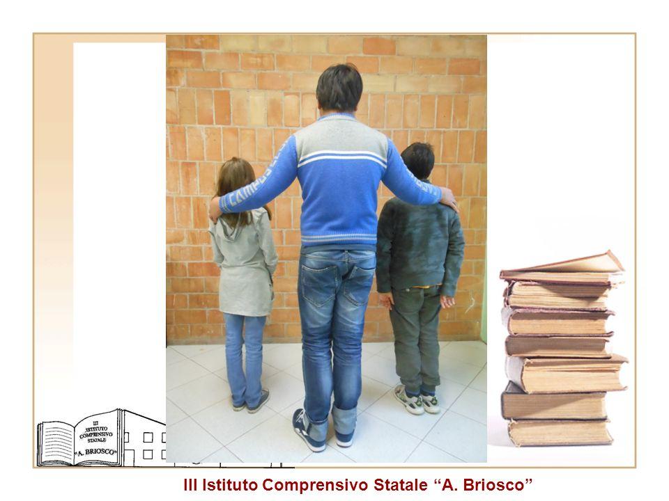 Tre studenti della stessa classe prima (2001, 1998, 2001). classe.