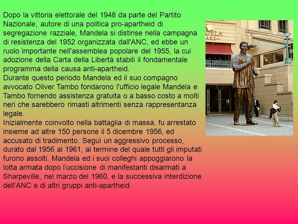 Dopo la vittoria elettorale del 1948 da parte del Partito Nazionale, autore di una politica pro-apartheid di segregazione razziale, Mandela si distinse nella campagna di resistenza del 1952 organizzata dall ANC, ed ebbe un ruolo importante nell assemblea popolare del 1955, la cui adozione della Carta della Libertà stabilì il fondamentale programma della causa anti-apartheid.