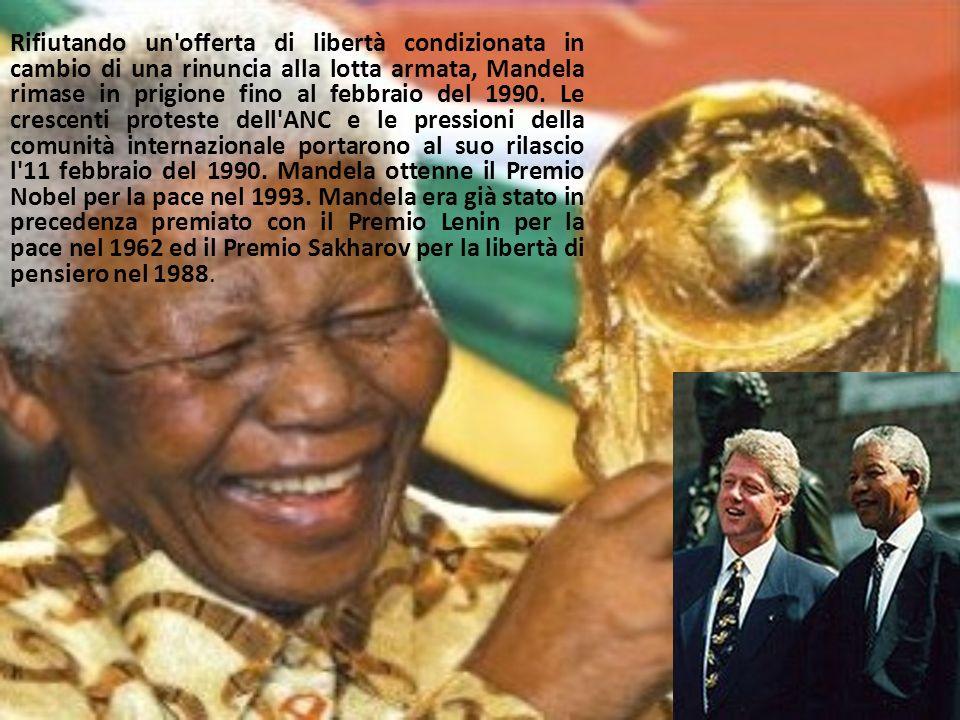 Rifiutando un offerta di libertà condizionata in cambio di una rinuncia alla lotta armata, Mandela rimase in prigione fino al febbraio del 1990.