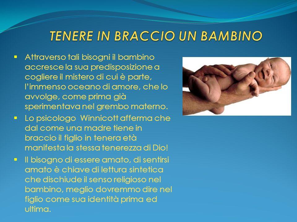 TENERE IN BRACCIO UN BAMBINO