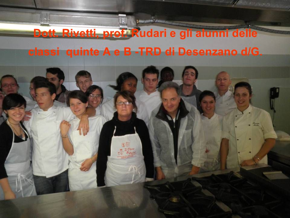 Dott. Rivetti, prof. Rudari e gli alunni delle classi quinte A e B -TRD di Desenzano d/G.