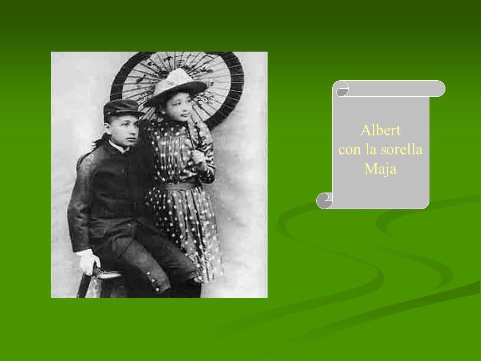 Albert con la sorella Maja