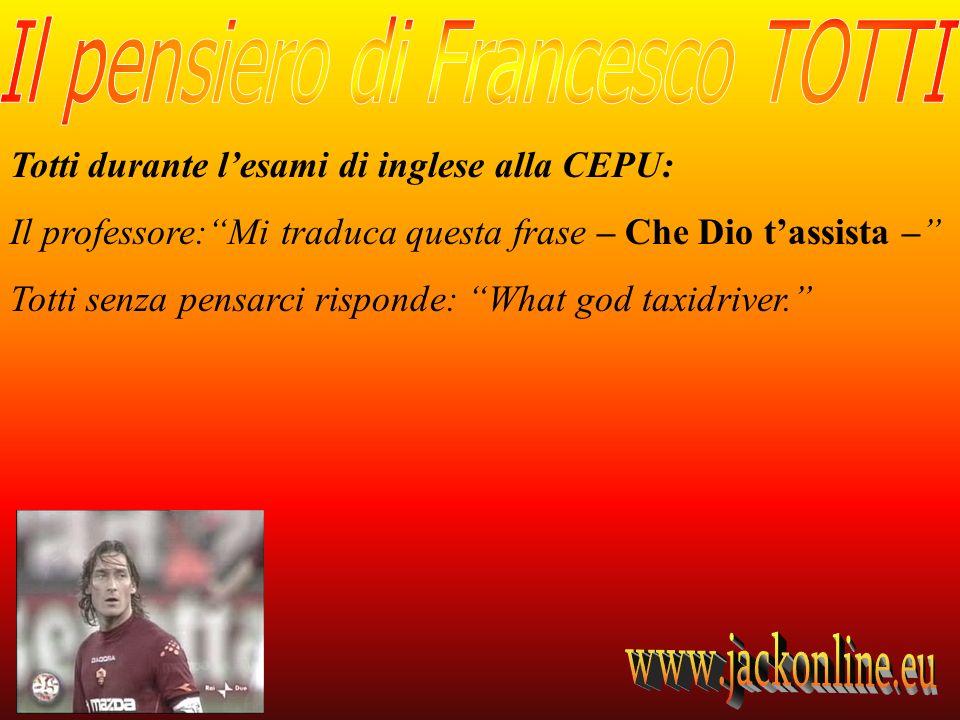 Totti durante l'esami di inglese alla CEPU: