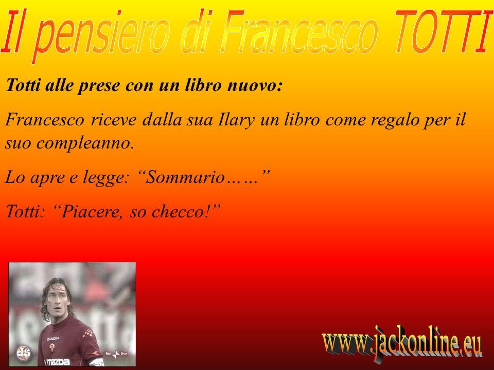 Totti alle prese con un libro nuovo: