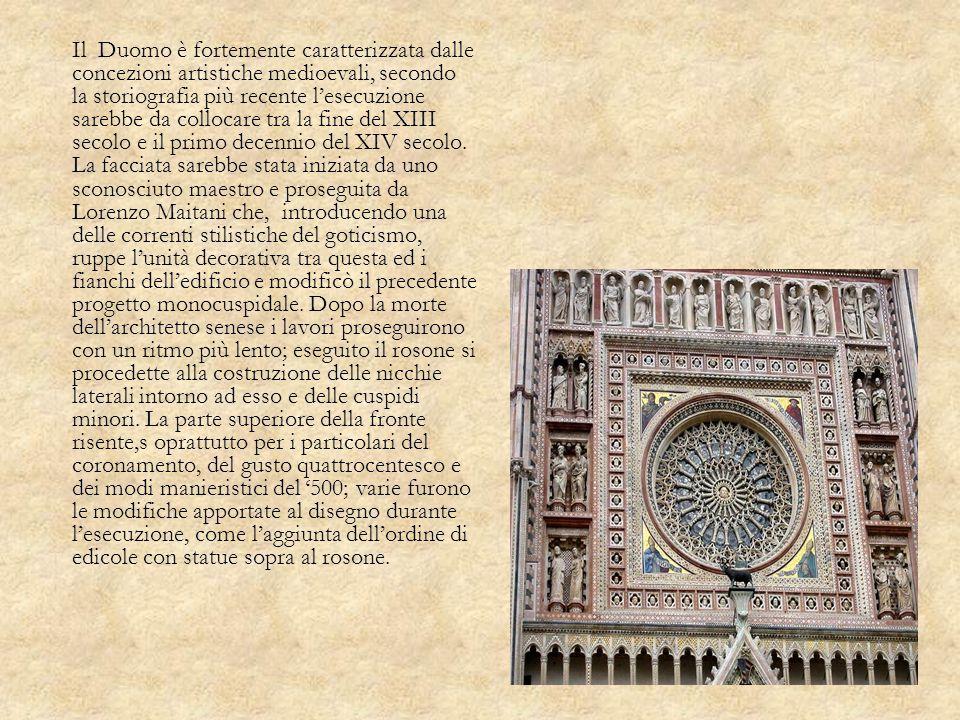 Il Duomo è fortemente caratterizzata dalle concezioni artistiche medioevali, secondo la storiografia più recente l'esecuzione sarebbe da collocare tra la fine del XIII secolo e il primo decennio del XIV secolo.