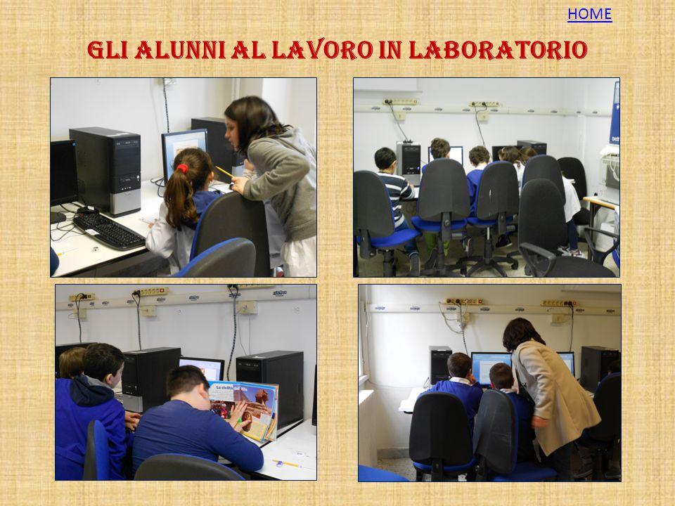 Gli alunni al lavoro in laboratorio
