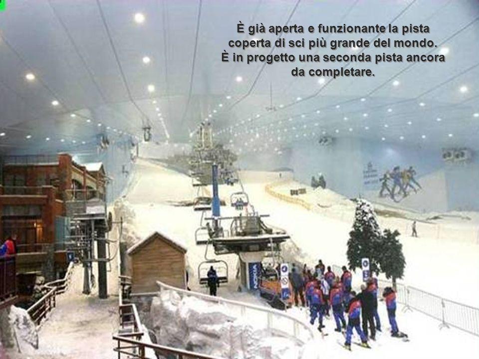 È già aperta e funzionante la pista coperta di sci più grande del mondo.