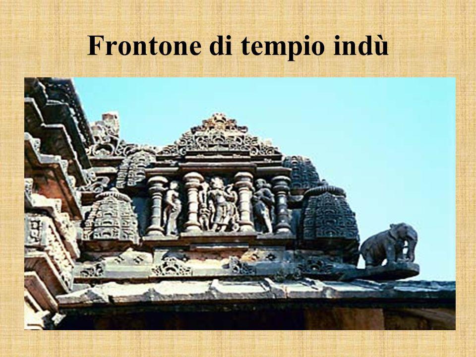 Frontone di tempio indù
