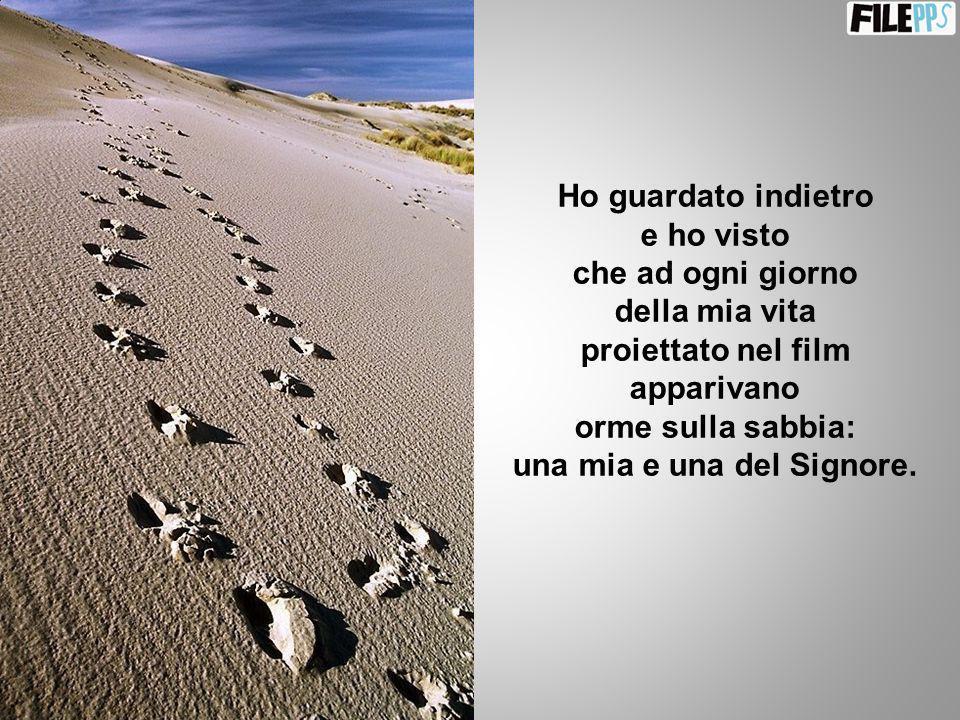 orme sulla sabbia: una mia e una del Signore.