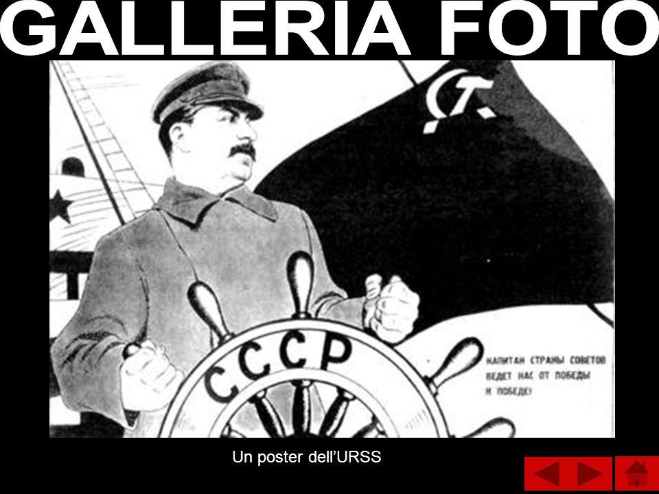 GALLERIA FOTO Un poster dell'URSS