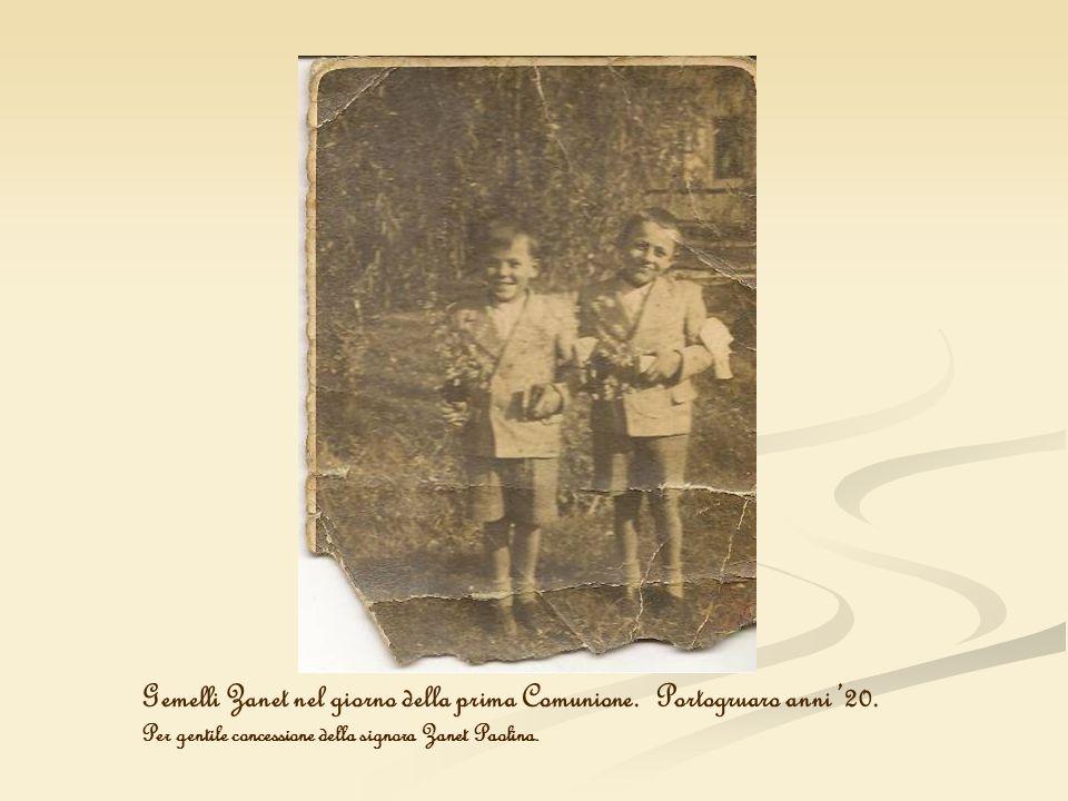 Gemelli Zanet nel giorno della prima Comunione. Portogruaro anni '20.