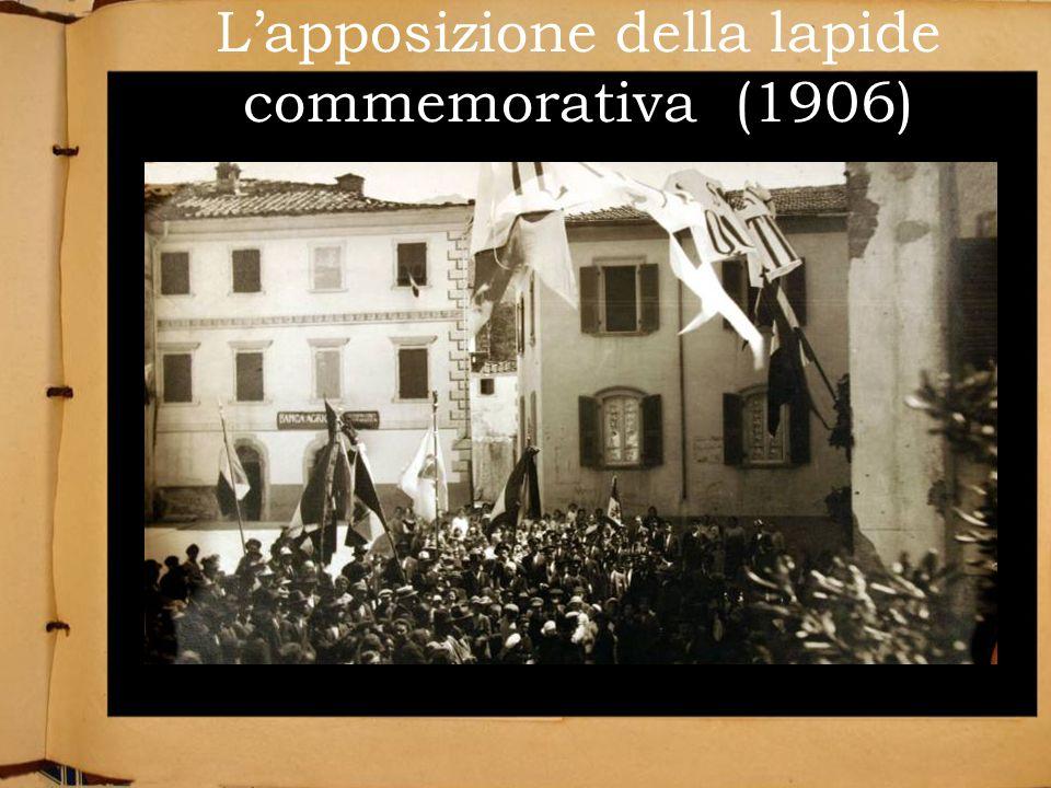 L'apposizione della lapide commemorativa (1906)