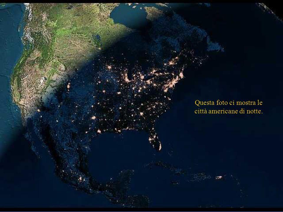 Questa foto ci mostra le città americane di notte.