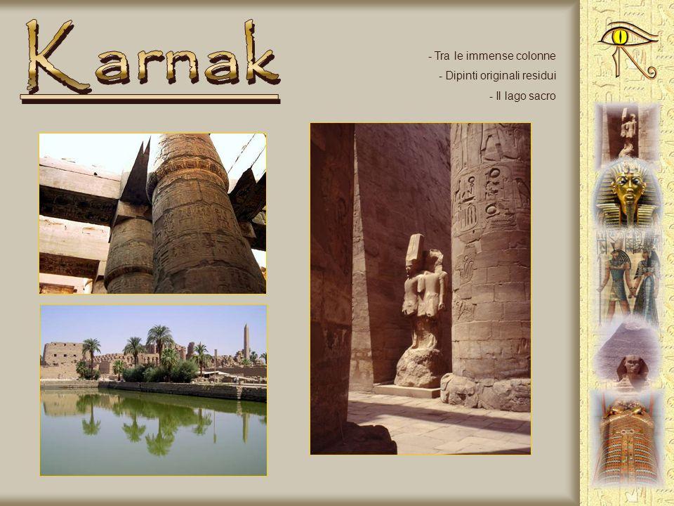 Karnak Tra le immense colonne Dipinti originali residui Il lago sacro
