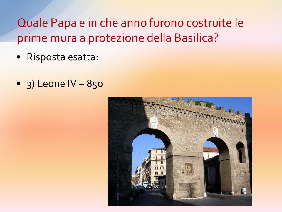 Quale Papa e in che anno furono costruite le prime mura a protezione della Basilica