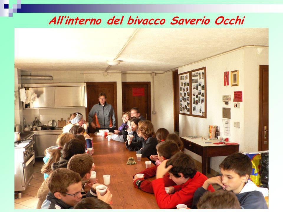 All'interno del bivacco Saverio Occhi