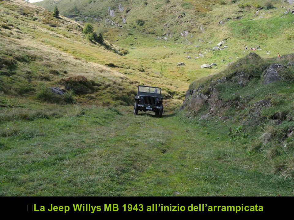 La Jeep Willys MB 1943 all'inizio dell'arrampicata