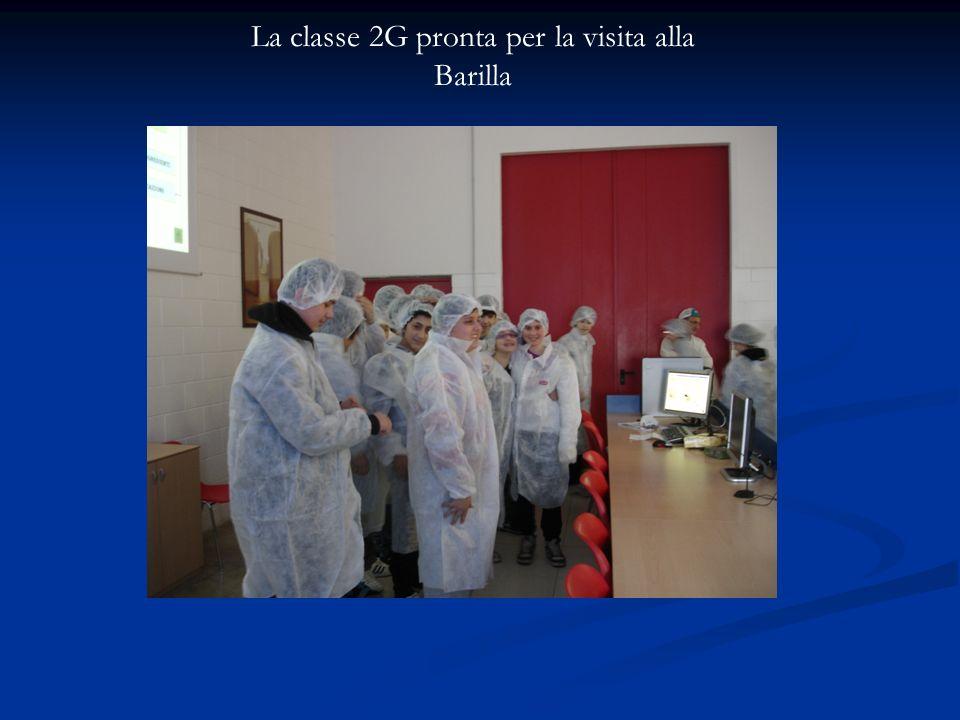 La classe 2G pronta per la visita alla Barilla