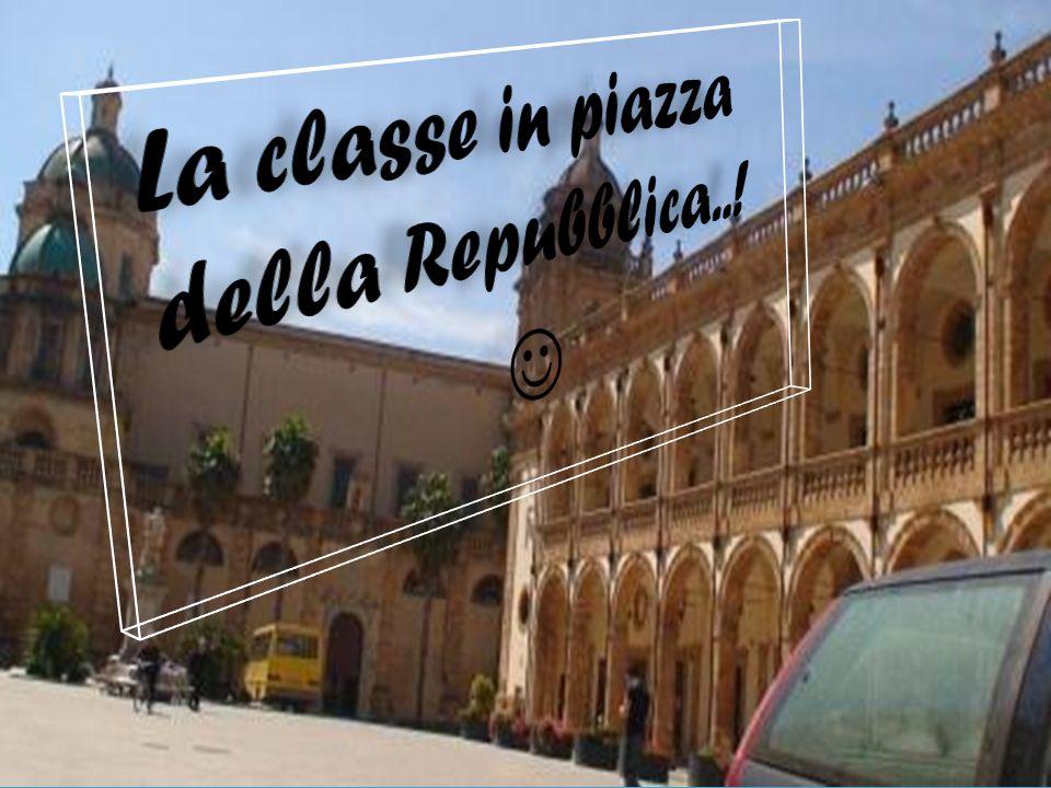 La classe in piazza della Repubblica..! 