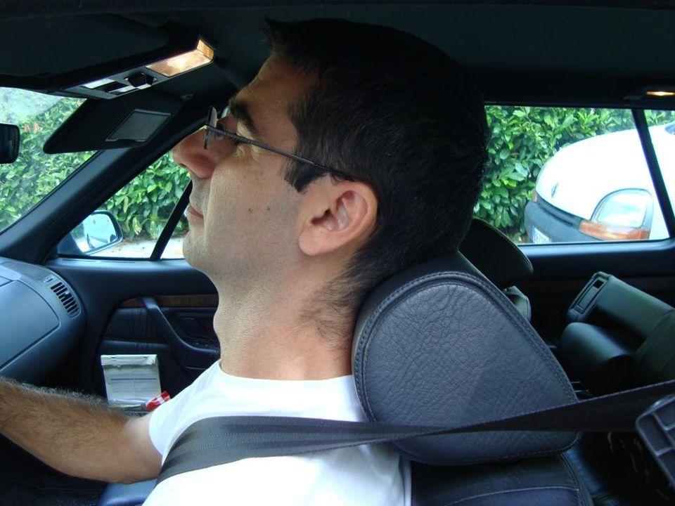 2) Posizione scorretta poggiatesta – testa/collo appoggiati