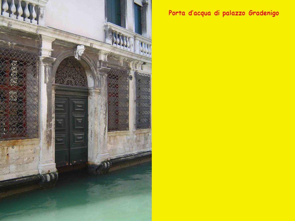 Porta d'acqua di palazzo Gradenigo