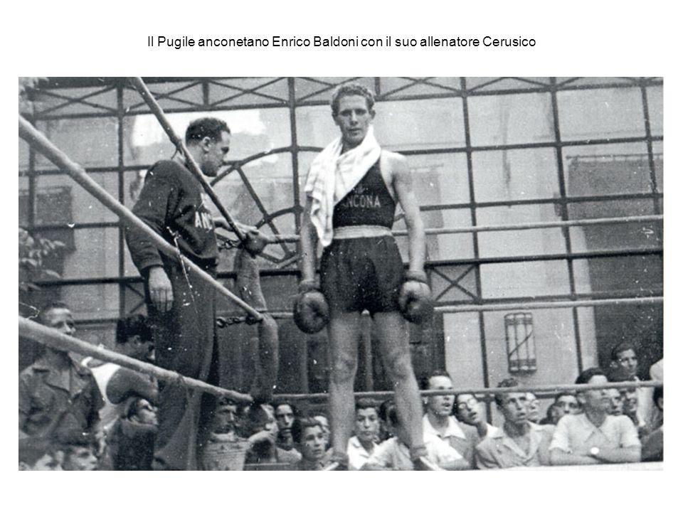 Il Pugile anconetano Enrico Baldoni con il suo allenatore Cerusico