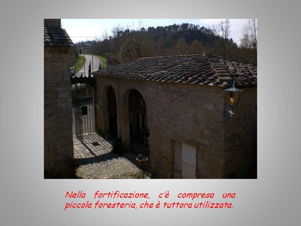 Nella fortificazione, c'è compresa una piccola foresteria, che è tuttora utilizzata.