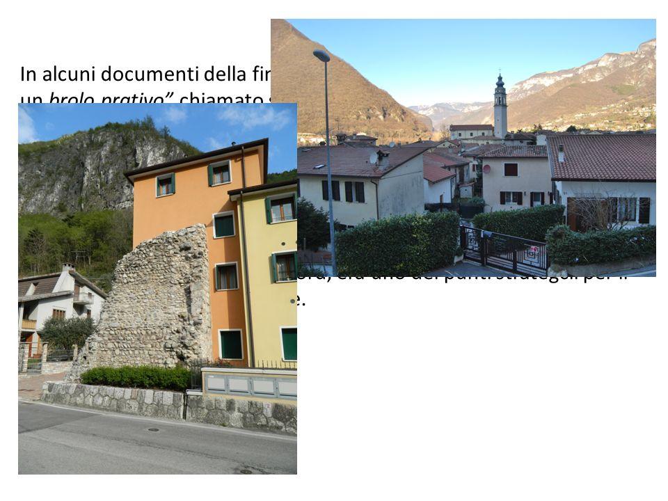 In alcuni documenti della fine del 1200, si parla di una cesura ovvero un brolo prativo chiamato semplicemente Prà, sito a sud-est della Chiesa di Santa Giustina; da ciò ha preso nome la contrada e anche una delle antiche famiglie solagnesi : i Dal Prà