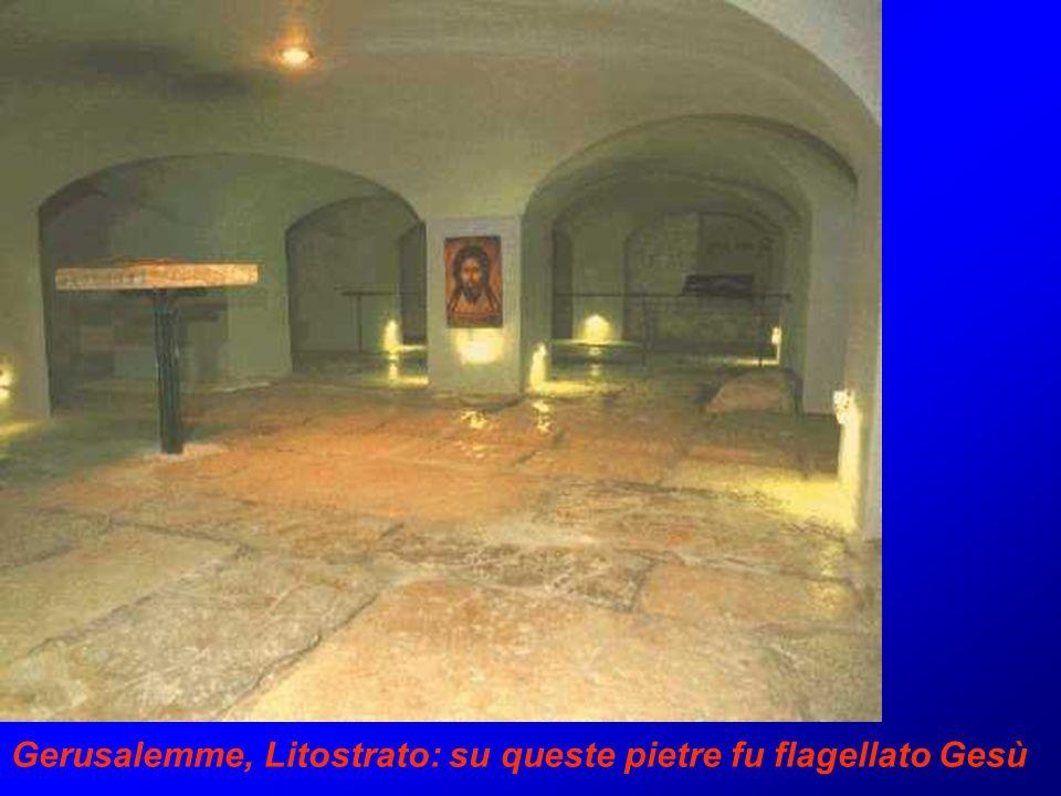 Gerusalemme, Litostrato: su queste pietre fu flagellato Gesù