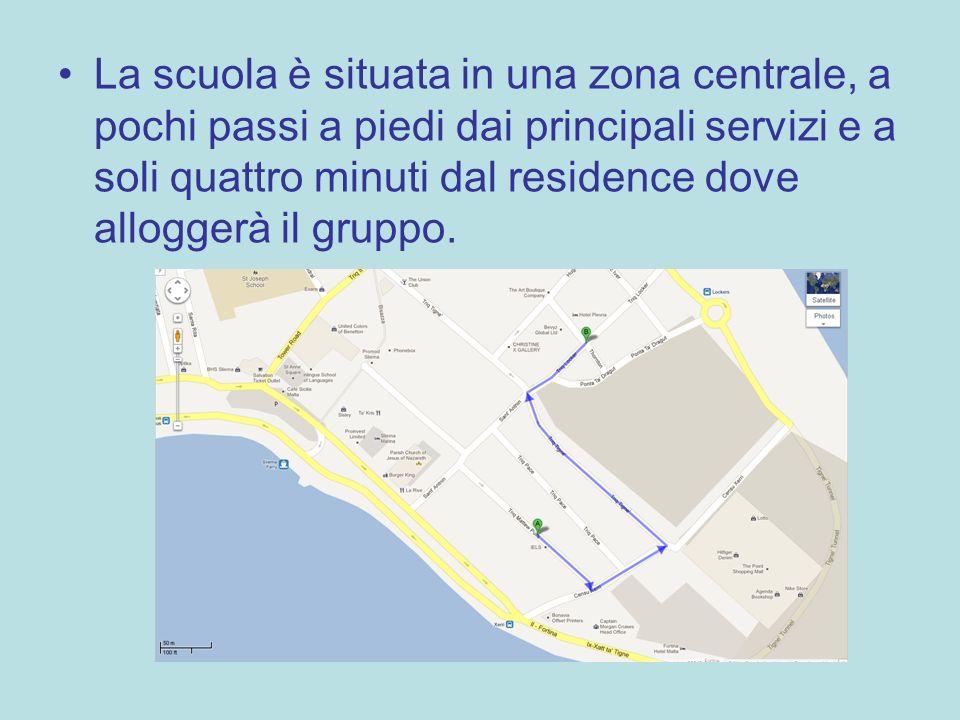La scuola è situata in una zona centrale, a pochi passi a piedi dai principali servizi e a soli quattro minuti dal residence dove alloggerà il gruppo.