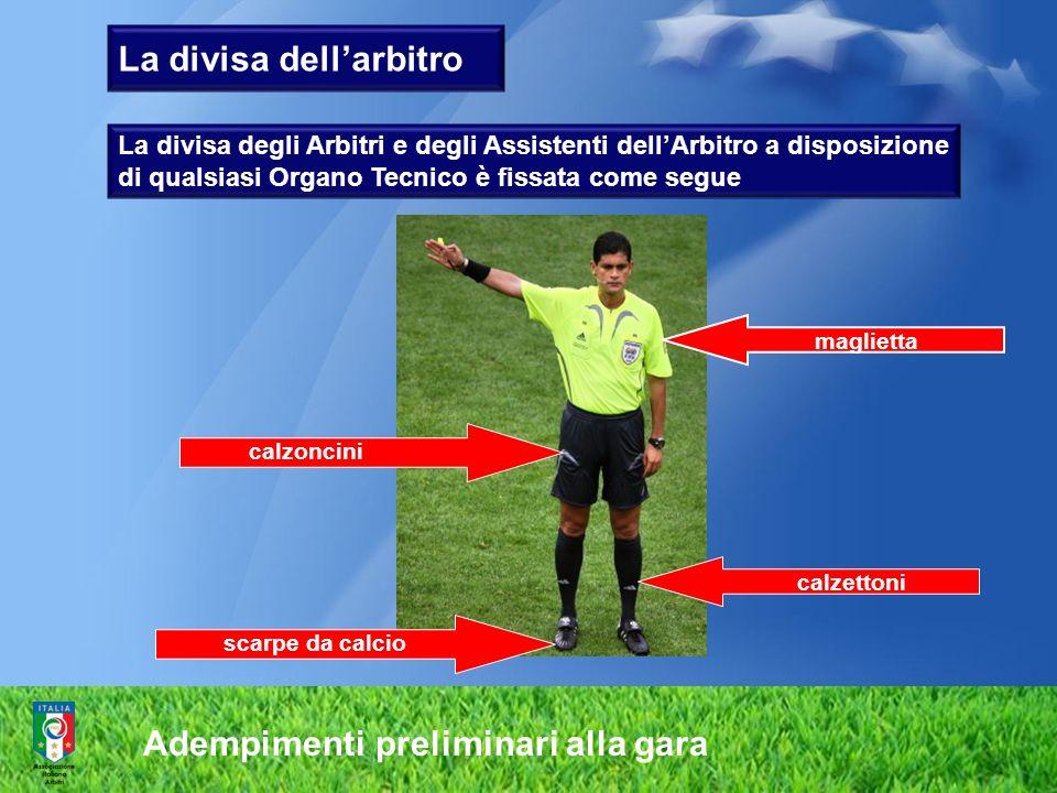 La divisa dell'arbitro