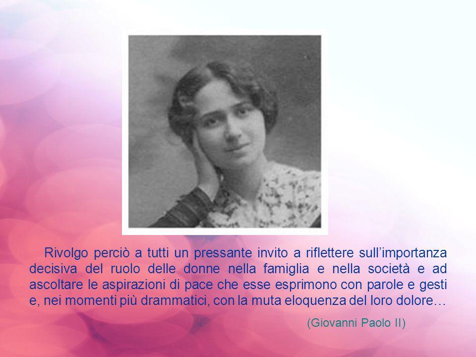 Rivolgo perciò a tutti un pressante invito a riflettere sull'importanza decisiva del ruolo delle donne nella famiglia e nella società e ad ascoltare le aspirazioni di pace che esse esprimono con parole e gesti e, nei momenti più drammatici, con la muta eloquenza del loro dolore…