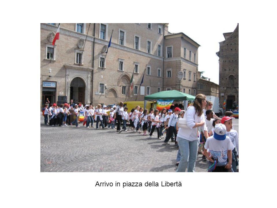Arrivo in piazza della Libertà
