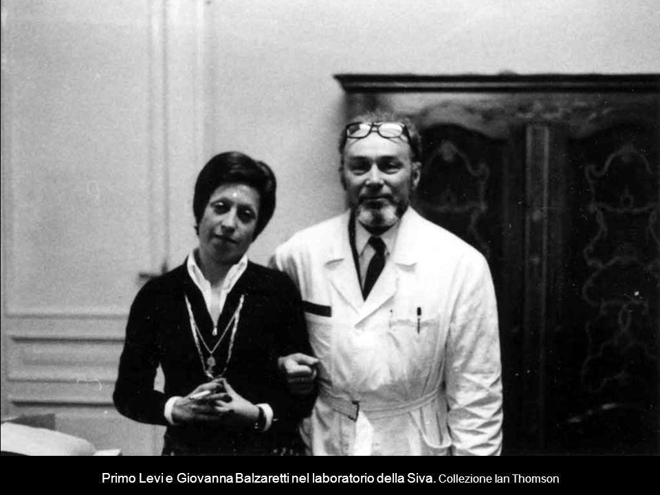 Primo Levi e Giovanna Balzaretti nel laboratorio della Siva