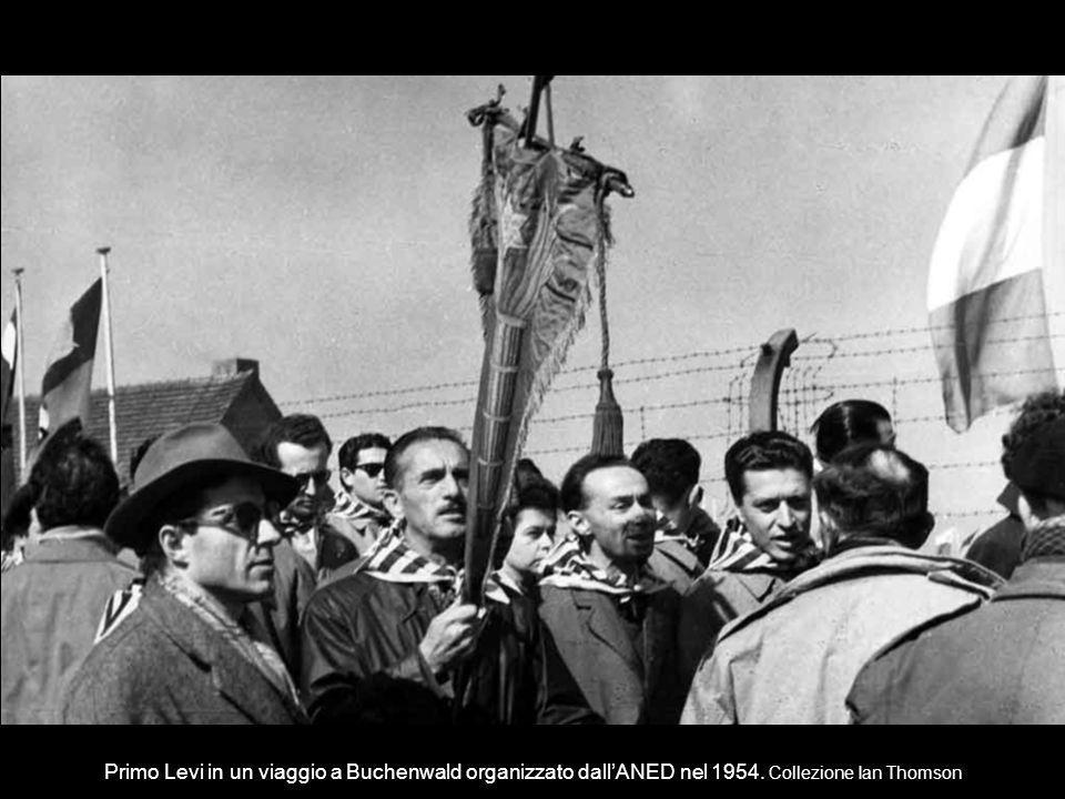 Primo Levi in un viaggio a Buchenwald organizzato dall'ANED nel 1954