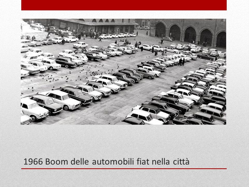 1966 Boom delle automobili fiat nella città