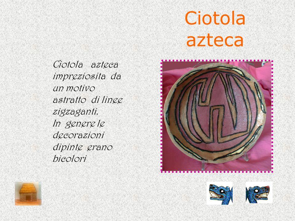 Ciotola azteca Ciotola azteca impreziosita da un motivo astratto di linee zigzaganti.