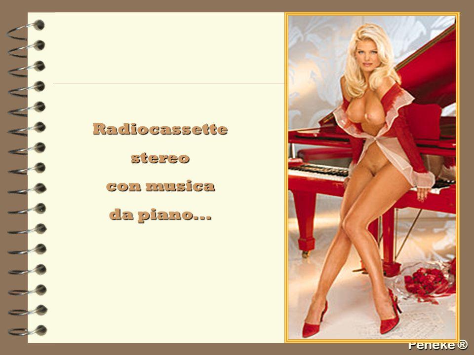 Radiocassette stereo con musica da piano...