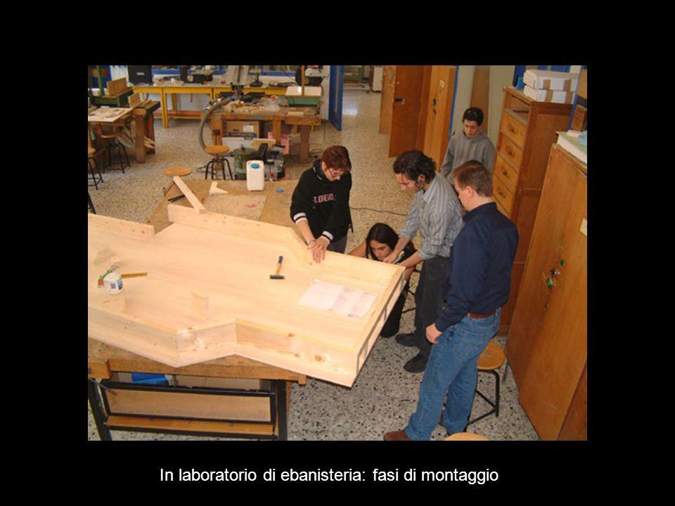 In laboratorio di ebanisteria: fasi di montaggio