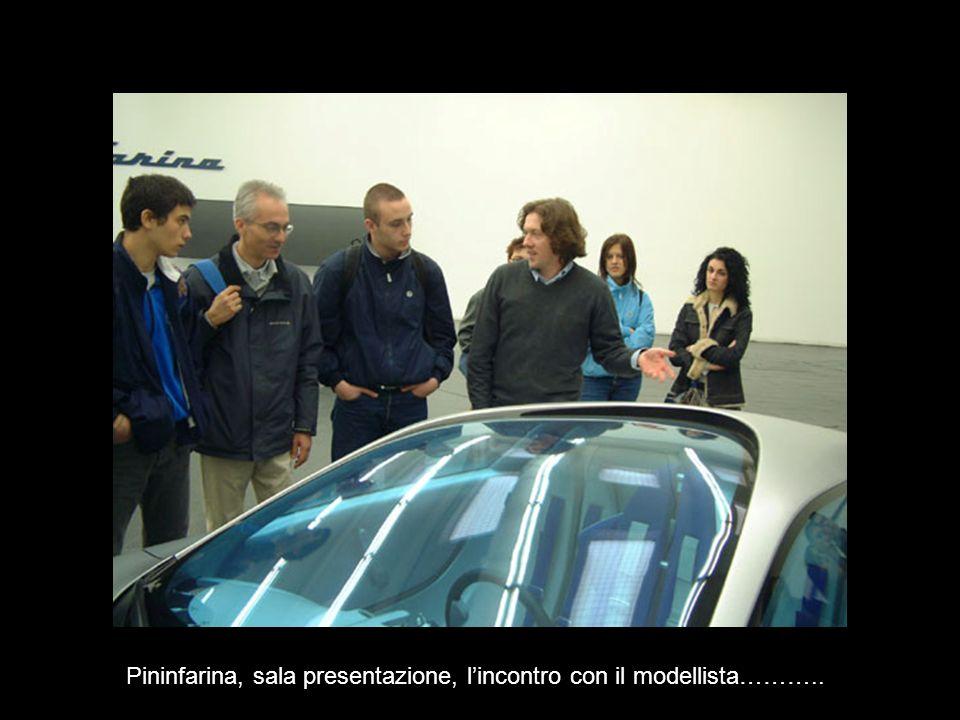 Pininfarina, sala presentazione, l'incontro con il modellista………..