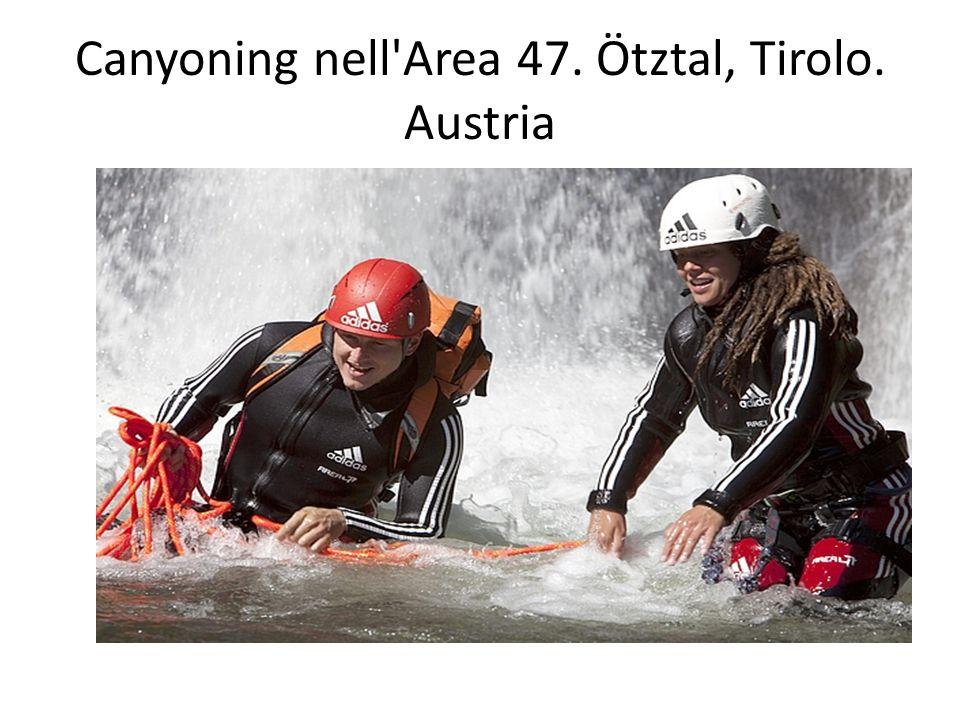 Canyoning nell Area 47. Ötztal, Tirolo. Austria