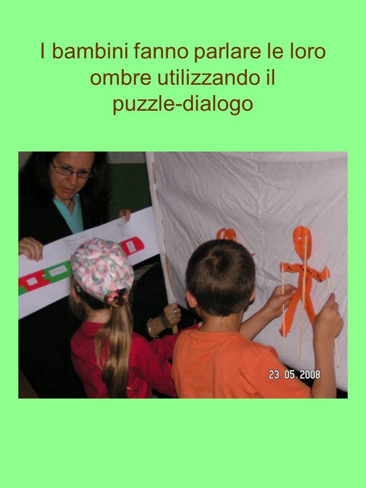 I bambini fanno parlare le loro ombre utilizzando il puzzle-dialogo