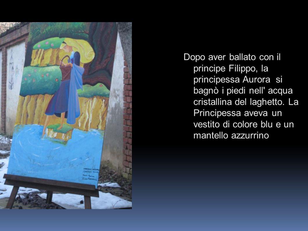 Dopo aver ballato con il principe Filippo, la principessa Aurora si bagnò i piedi nell acqua cristallina del laghetto.