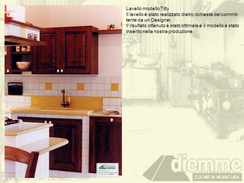 Lavello modello Titty Il lavello è stato realizzato dietro richiesta del commit- tente da un Designer.