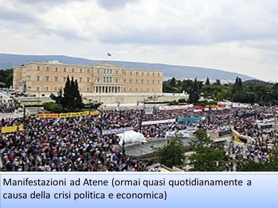 Manifestazioni ad Atene (ormai quasi quotidianamente a causa della crisi politica e economica)