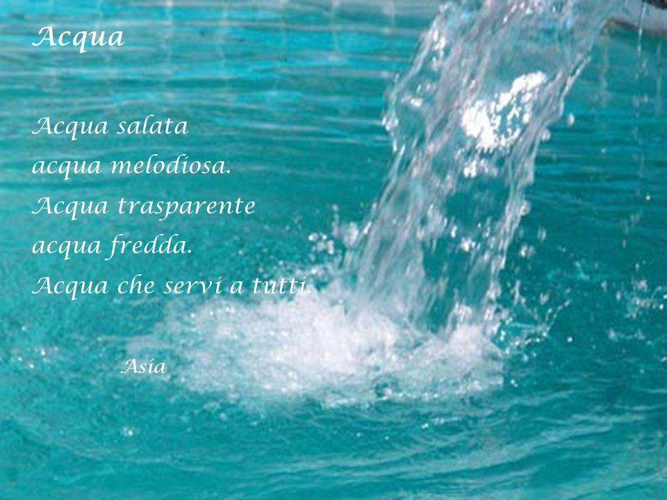 Acqua Acqua salata acqua melodiosa. Acqua trasparente acqua fredda.